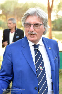 http://www.isarenas.it/wp-content/uploads/2017/09/2017-09-17-Narbolia-Pineta-Is-Arenas-Premiazione-Torneo-golf-e-buffet-030-200x300.jpg