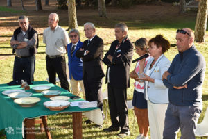 http://www.isarenas.it/wp-content/uploads/2017/09/2017-09-17-Narbolia-Pineta-Is-Arenas-Premiazione-Torneo-golf-e-buffet-083-300x200.jpg