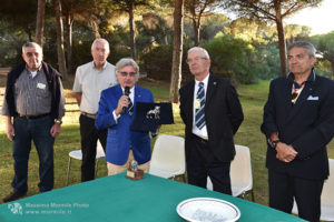 http://www.isarenas.it/wp-content/uploads/2017/09/2017-09-17-Narbolia-Pineta-Is-Arenas-Premiazione-Torneo-golf-e-buffet-096-300x200.jpg