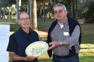 http://www.isarenas.it/wp-content/uploads/2017/09/2017-09-17-Narbolia-Pineta-Is-Arenas-Premiazione-Torneo-golf-e-buffet-114-300x200.jpg