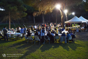 http://www.isarenas.it/wp-content/uploads/2017/09/2017-09-17-Narbolia-Pineta-Is-Arenas-Premiazione-Torneo-golf-e-buffet-163-300x200.jpg